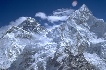 himalaya: आस्था, रहस्य और रोमांच से भरी अलग दुनिया है हिमालय