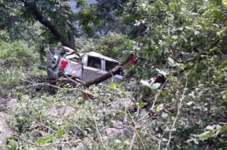 दुःखदः ऋषिकेश-बदरीनाथ राजमार्ग पर कार दुर्घटना में दो की मौत
