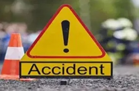 car fell Narendranagar: कार खाई में गिरी, एक महिला की मौत, एक गंभीर घायल