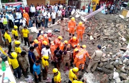 Collapse house: मकान ढहा, मलबे में दबने से गर्भवती महिला समेत 4 की मौत