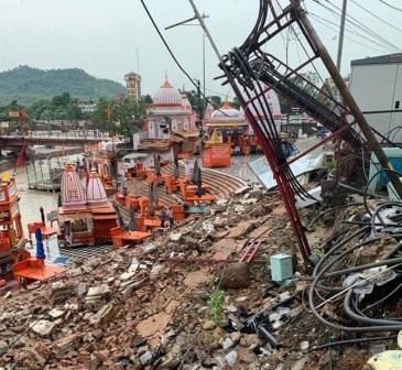 Haridwar: आकाशीय बिजली गिरने से हरकी पैड़ी पर हुआ नुकसान