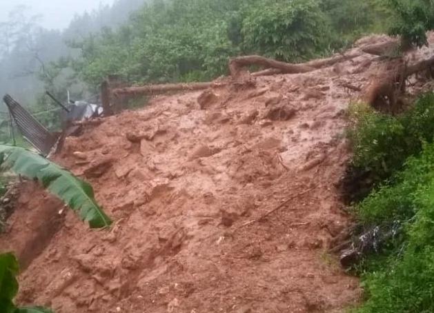 Pithoragarh: बारिश ने मचाई तबाही, मकान दबने से दो लापता, एक महिला नाले में दबी