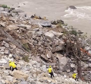 Allweather Project: ऋषिकेश बदरीनाथ राजमार्ग पर पहाड़ी कटिंग के दौरान 3 की मौत