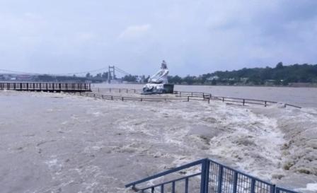 Ganga: हरिद्वार में गंगा का जल स्तर खतरे के निशान के पास पहुंचा
