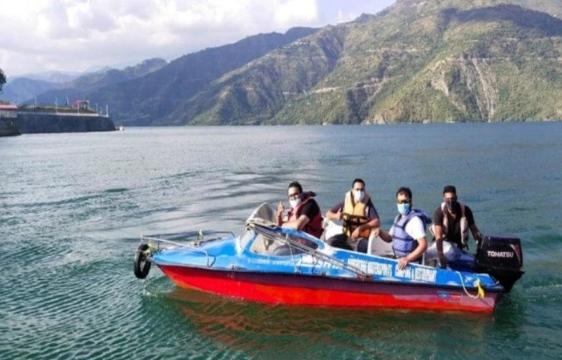 Tehri lake: यदि घर में हो गए हैं बोर तो चले आइए टिहरी झील, बोटिंग हुई शुरू