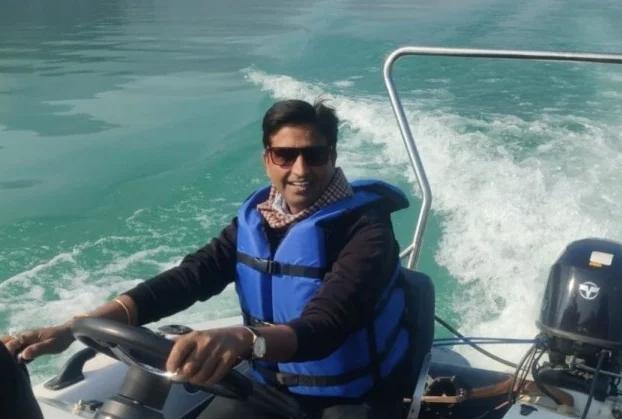 Tehri lake: सैलानियों से गुलजार हुई टिहरी झील, कवि कुमार विश्वास ने की बोटिंग