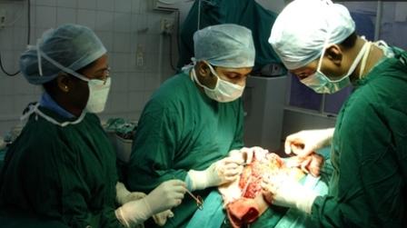 AIIMS Rishikesh: विशेषज्ञ चिकित्सकों ने एक युवक का जटिल न्यूरो ऑपरेशन कर दिया नया जीवन