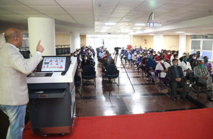 एम्स ऋषिकेश में कोविड-19 वैक्सिनेशन सेंसिटाइजेशन ट्रेनिंग प्रोग्राम