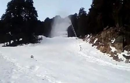 winter games in Auli: औली में विंटर गेम्स की तैयारियों के चलते कृत्रिम बर्फ बनाने का काम शुरू