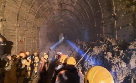 चमोली आपदा का 7 वां दिनः सुंरग के अंदर 13 मीटर तक खुदाई, बड़ी मशीन के पार्ट्स को जोड़ने का काम जारी
