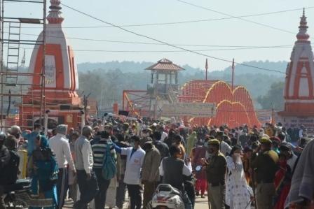 Corona in Kumbh: एक आश्रम में 32 कोरोना संक्रमित श्रद्धालु मिलने से हरिद्वार में हड़कंप