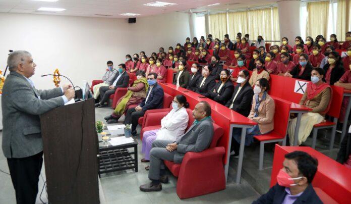 एम्स ऋषिकेश में बीएससी नर्सिंग छात्राओं का ओरिएंटेशन कार्यक्रम शुरू