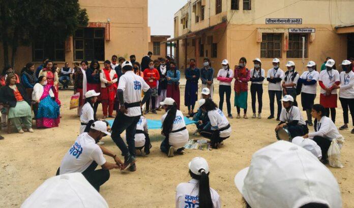 गंगा स्वच्छता पखवाड़ाः नई टिहरी महाविद्यालय के छात्र-छात्राओं ने चलाया स्वच्छता अभियान