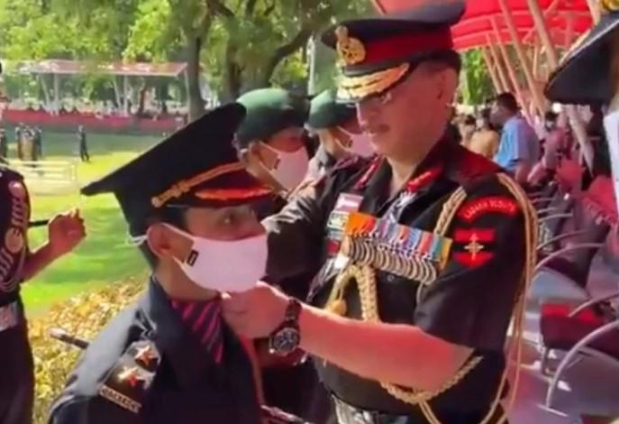 इस जज्बे को सलामः शहीद मेजर पत्नी निकिता ढौंढियाल बनी सेना का अंग