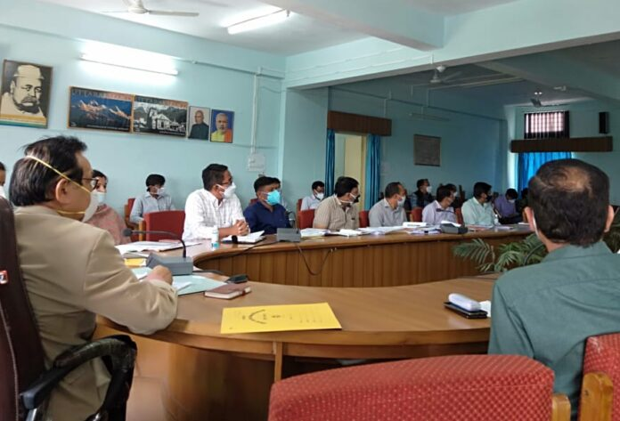 सीएम के प्रमुख सलाहकार रावत ने ली अधिकारियों की बैठक, दिए निर्देश