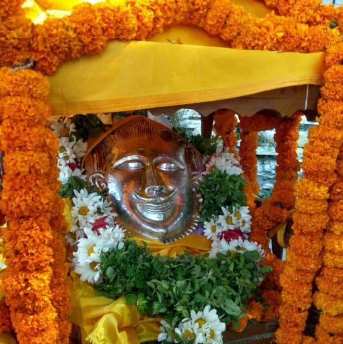 श्री बदरीनाथ धाम: श्री घंटाकर्ण महाराज के माणा मंदिर के कपाट खुले