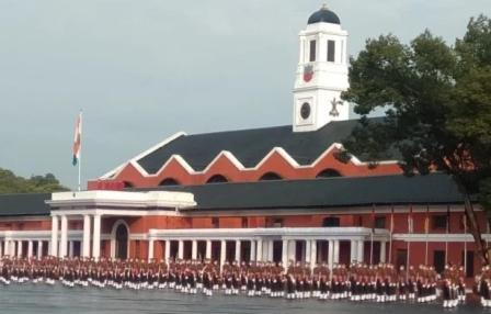 आईएमए पासिंग आउट परेडः भारतीय सेना को मिले आज 341 युवा ऑफिसर