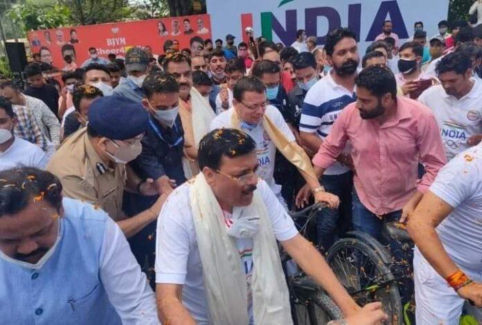 सीएम धामी ने साइकिल रैली से टोक्यो ओलंपिक में भाग ले रहे भारतीय खिलाड़ियों का बढ़ाया हौसला