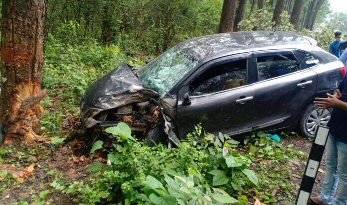 कार हादसा: थानो मार्ग पर कार दुर्घटना में 2 की मौत, 4 घायल