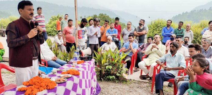 उजपा ने टिहरी के बहेड़ा, सुदाडा और देवरी गांव में किया जनसंपर्क, 100 से अधिक लोग हुए पार्टी में शामिल