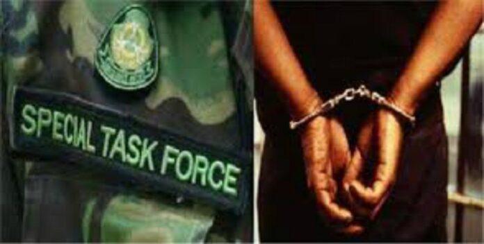 एसटीएफ की बड़ी कार्रवाई: 68 लाख ठगने वाला शातिर अपराधी गिरफ्तार