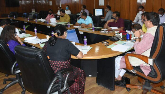 सीएम ने दिए कॉलेजों में रोजगार परक शिक्षा विषय संचालित किये जाने के निर्देश