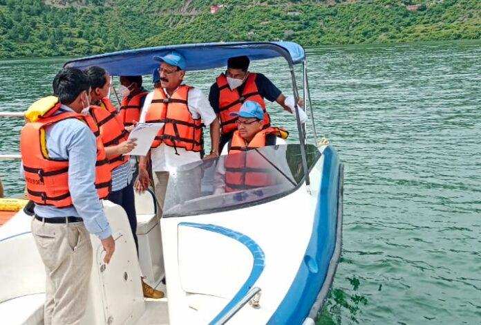 सीएम धामी टिहरी में, टिहरी झील को विश्वस्तरीय पर्यटक स्थल बनाने के लिए वेपकॉस कंपनी को तीन माह में डीपीआर तैयार करने के निर्देश