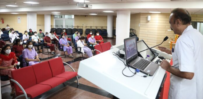 एम्स ऋषिकेश: नर्सिंग ऑफिसरों के लिए महिलाओं में होने वाले सर्वाइकल कैंसर स्क्रिनिंग ट्रेनिंग प्रोग्राम शुरू