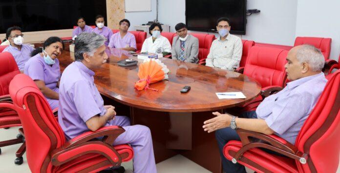 फैकल्टी एसोसिएशन ऑफ एम्स ऋषिकेश (फार) ने संस्थान के नवनियुक्त निदेशक प्रो. अरविंद राजवंशी से भेंट कर किया स्वागत