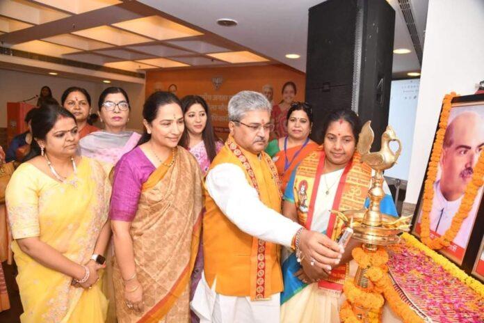 इस देश में महिलाओं को सर्वाधिक सम्मान मिल रहा है: वानाती श्रीनिवासन