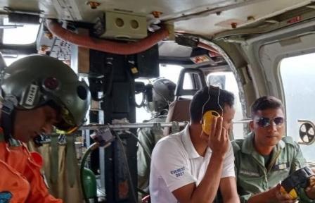 माउंट त्रिशूल के आरोहण के लिए गए नौसेना के दल के हिमस्खलन की चपेट में आने से 6 लोग लापता
