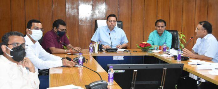सीएम ने की कोविड एवं डेंगू से बचाव कार्यों की समीक्षा, बोले त्यौहारों से पहले की जाय प्रभावी व्यवस्था